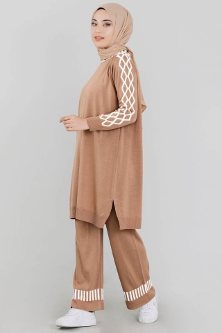 ERCOOL - Çizgili Triko Takım Camel