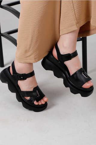 - Kalın Manşetli Sandalet Siyah