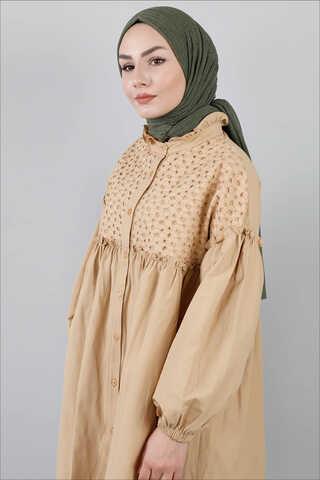 - Ön Robası Dantelli Gömlek Camel