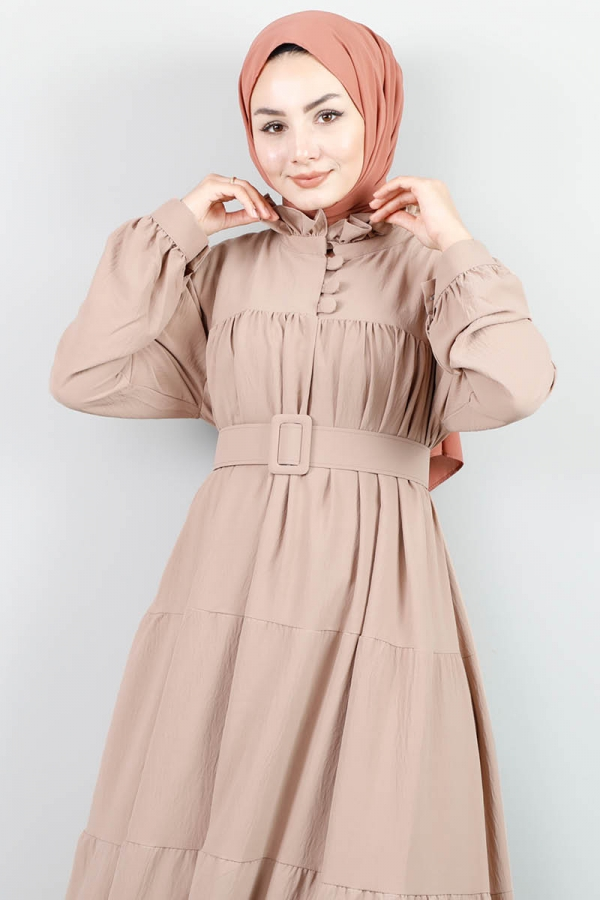 Yakası Fırfırlı Beli Kemerli Elbise Vizon