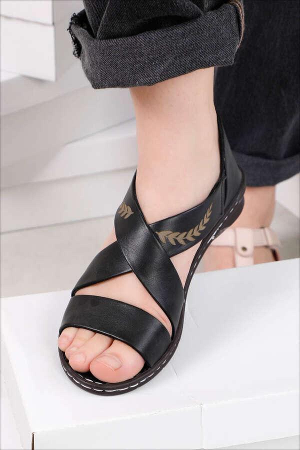 Yaprak Sandalet Siyah